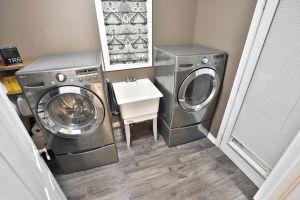 xTD072312 - Penfold Court, Mount Hope Laundry Room