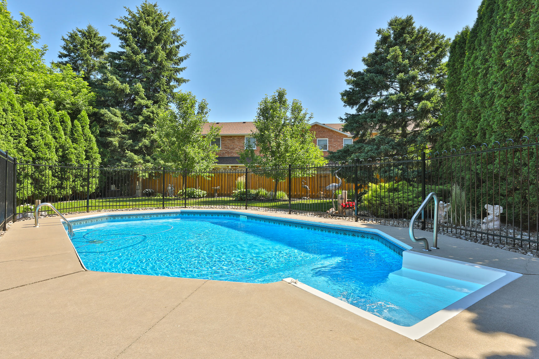85 Galley pool 1 - Recently SOLD in Ancaster