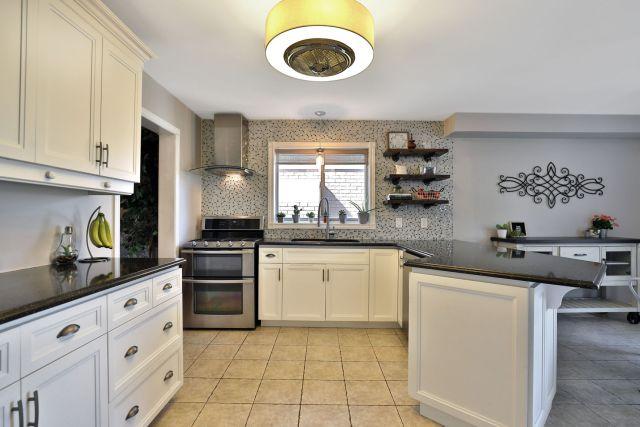 Glanbrook Binbrook 26 Switzer kitchen 2 1024x683 - Recently SOLD in Binbrook