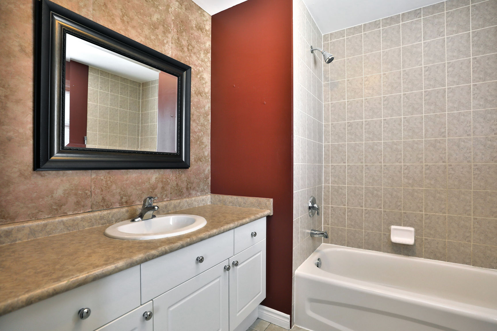 Mount Hope 119 Thames master ensuite - Recently SOLD in Mount Hope