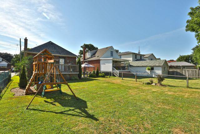 hamilton 258 east 18th backyard 3 1024x683 - Recently SOLD Central Hamilton Mountain