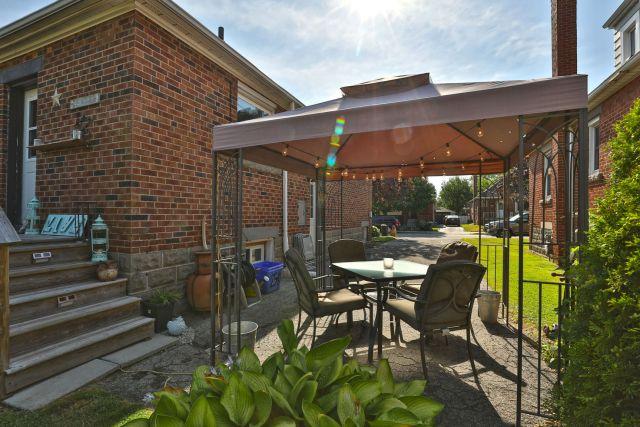 hamilton 258 east 18th patio gazebo 1 1024x683 - Recently SOLD Central Hamilton Mountain