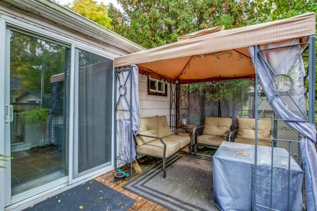 90 Maple St Catharines gazebo 1 - Recently SOLD in St. Catharines