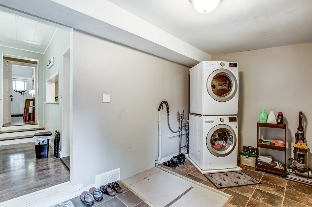 90 Maple St Catharines laundryroom2 - Recently SOLD in St. Catharines