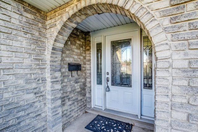 86 Eastbury Stoney Creek porch 1 - Recently SOLD in Stoney Creek