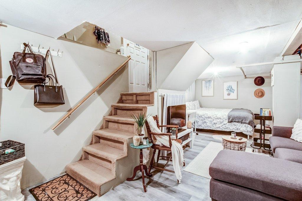 103 Beechwood Hamilton bedroom1d 1 - Recently SOLD in Central Hamilton