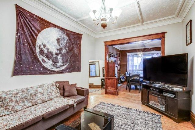 103 Beechwood Hamilton living room - Recently SOLD in Central Hamilton
