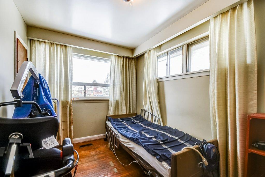 1372 Wren Oakville bedroom3 2 - Recently SOLD in Oakville