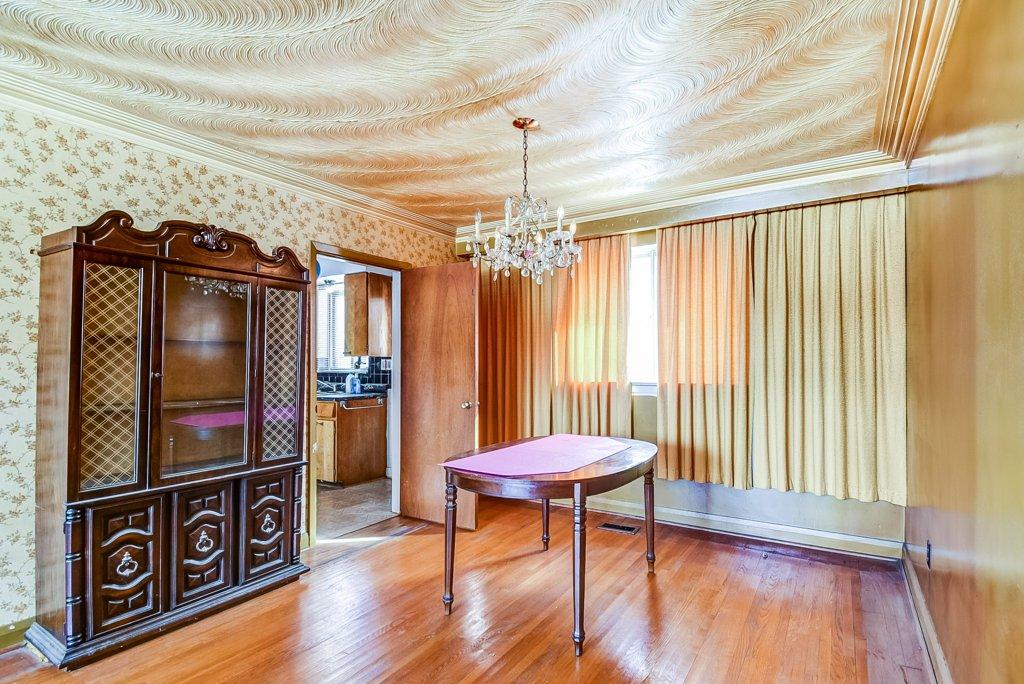 1372 Wren Oakville dining room 2 - Recently SOLD in Oakville