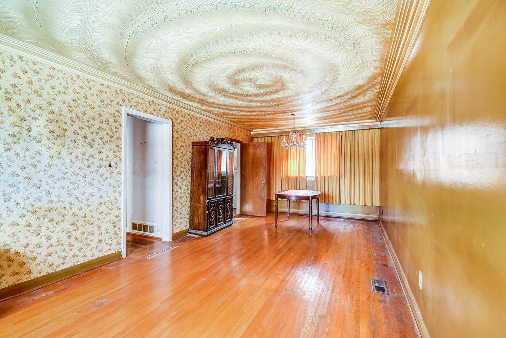 1372 Wren Oakville living dining rooms 3 - Recently SOLD in Oakville