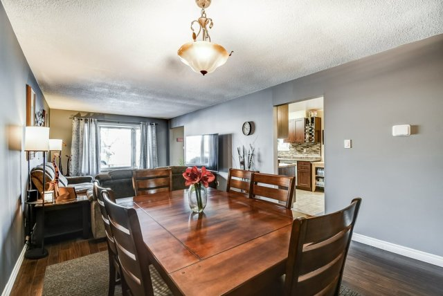 106 Garden dining living rooms 3 - Recently SOLD on the Central Hamilton Mountain