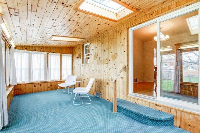 020 136 Auburn Hamilton sunroom2 - Recently SOLD - East Hamilton