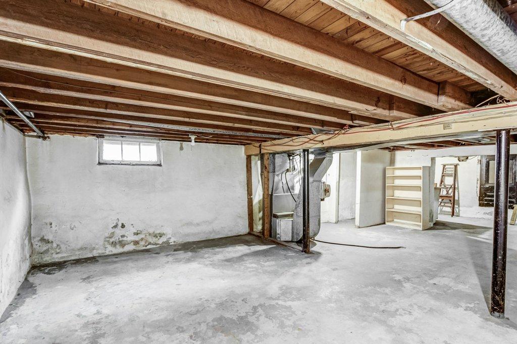 025 546 Quebec Hamilton basement3 - 546 Quebec St, Hamilton