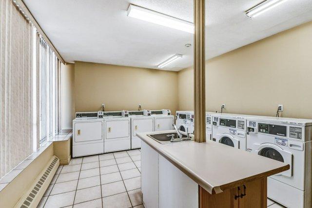 022 10 John Dundas laundry - Recently SOLD in Dundas
