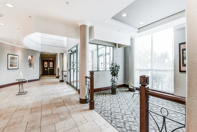 006 1008 2585 Erin Centre Mississauga lobby2 - Recently SOLD in Mississauga