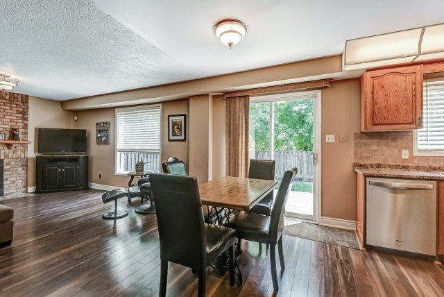 014 95 Essling Hamilton kitchen family room - Recently SOLD on the Hamilton Mountain