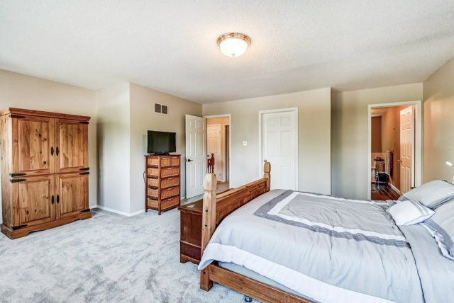 026 95 Essling Hamilton primary bedroom2 - Recently SOLD on the Hamilton Mountain