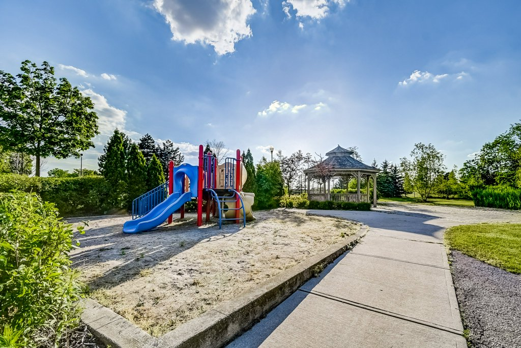 028 1008 2585 Erin Centre Mississauga playground - Recently SOLD in Mississauga