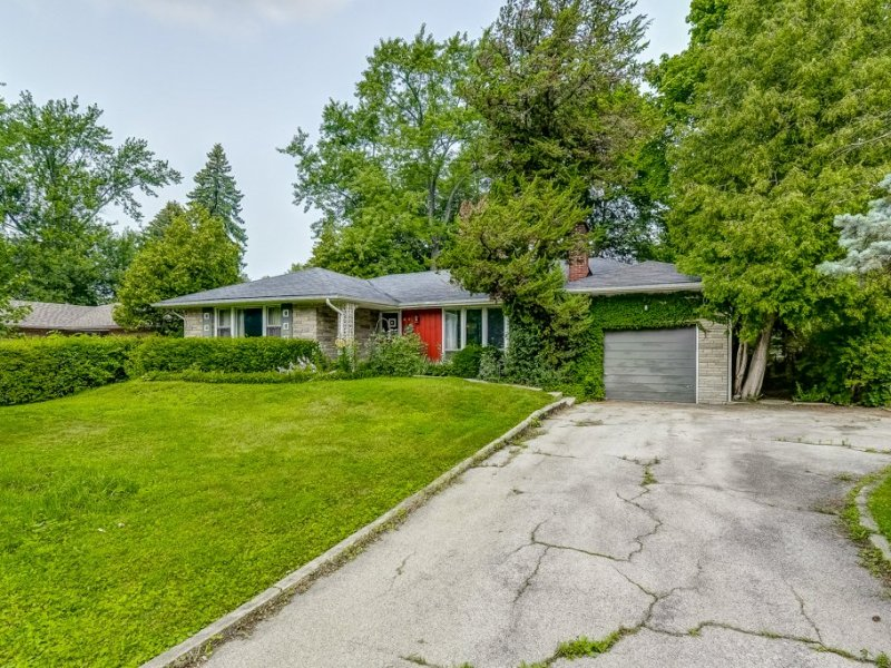 002 98 Elm Hill Ancaster front2 - Exploring Glanbrook ~ One Neighbourhood at a time ~ Mount Hope