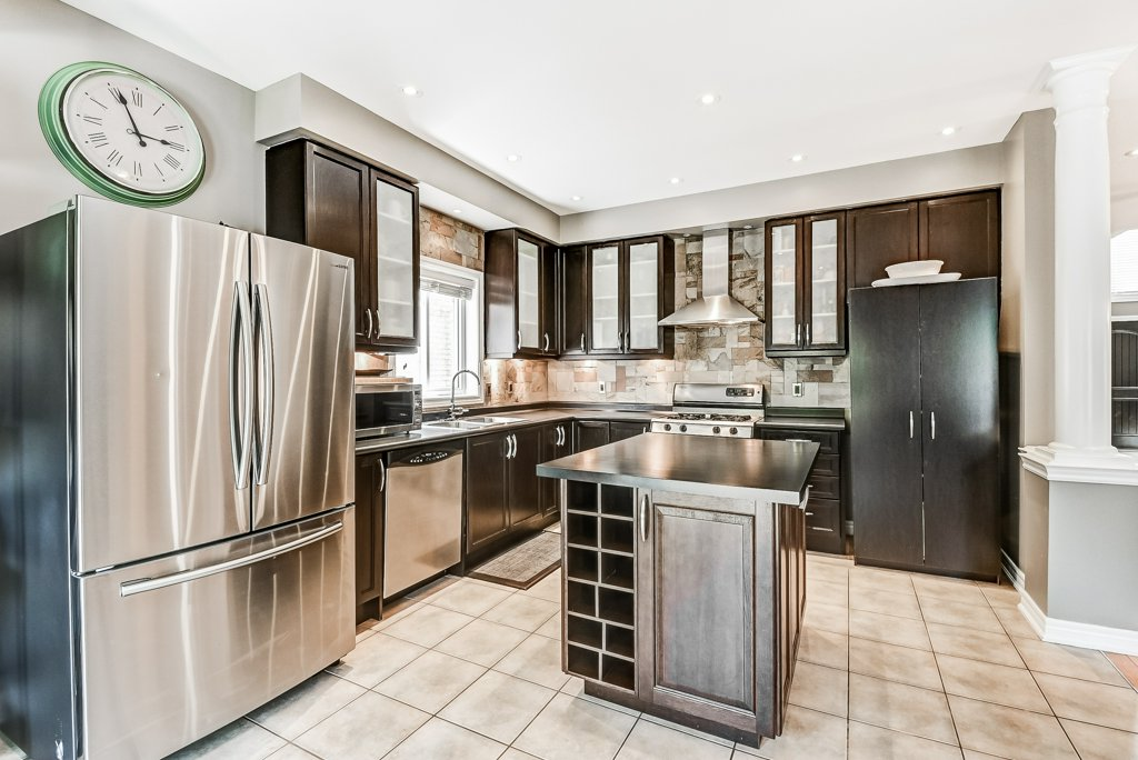 014 151 Joshua Ancaster kitchen - Recently SOLD in Ancaster