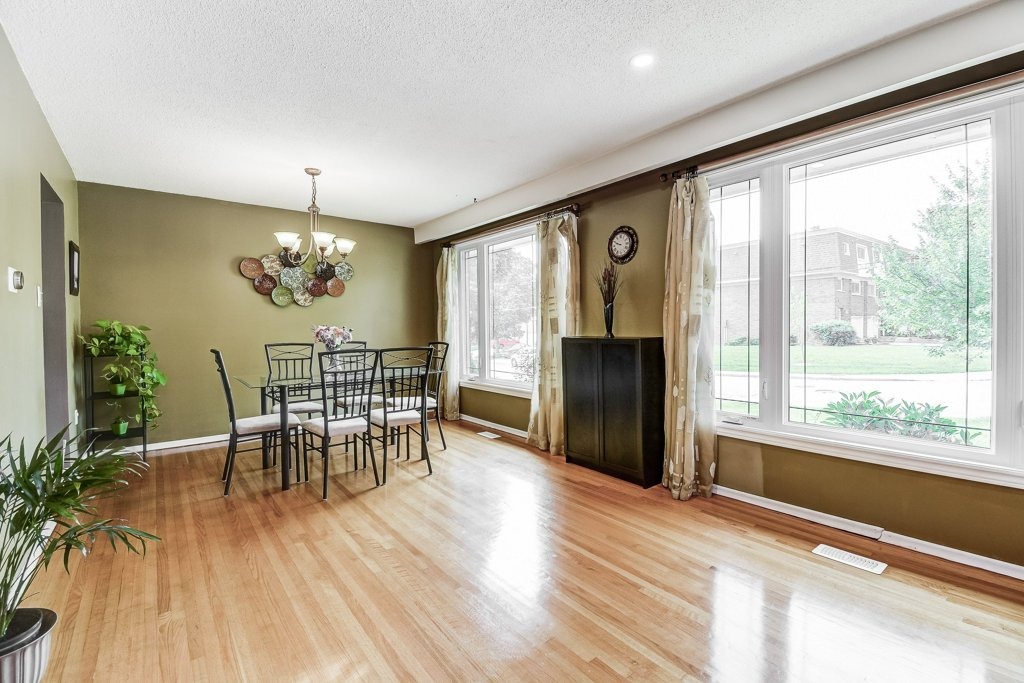 014 164 Bonaventure Hamilton living dining room2 - Recently SOLD ~ West Hamilton Mountain