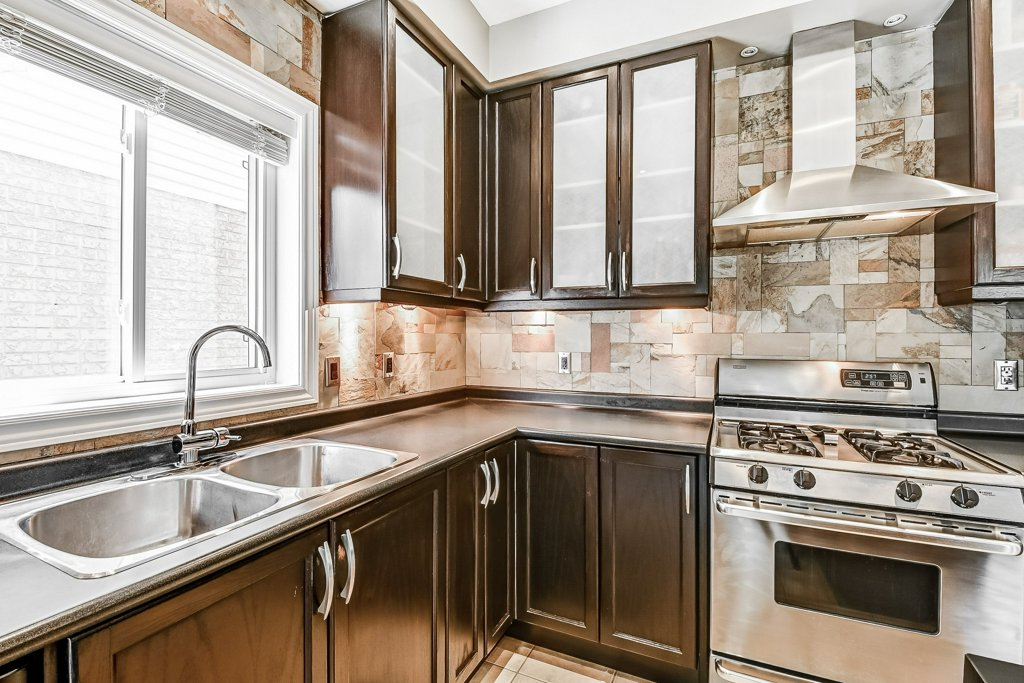 018 151 Joshua Ancaster kitchen5 - Recently SOLD in Ancaster
