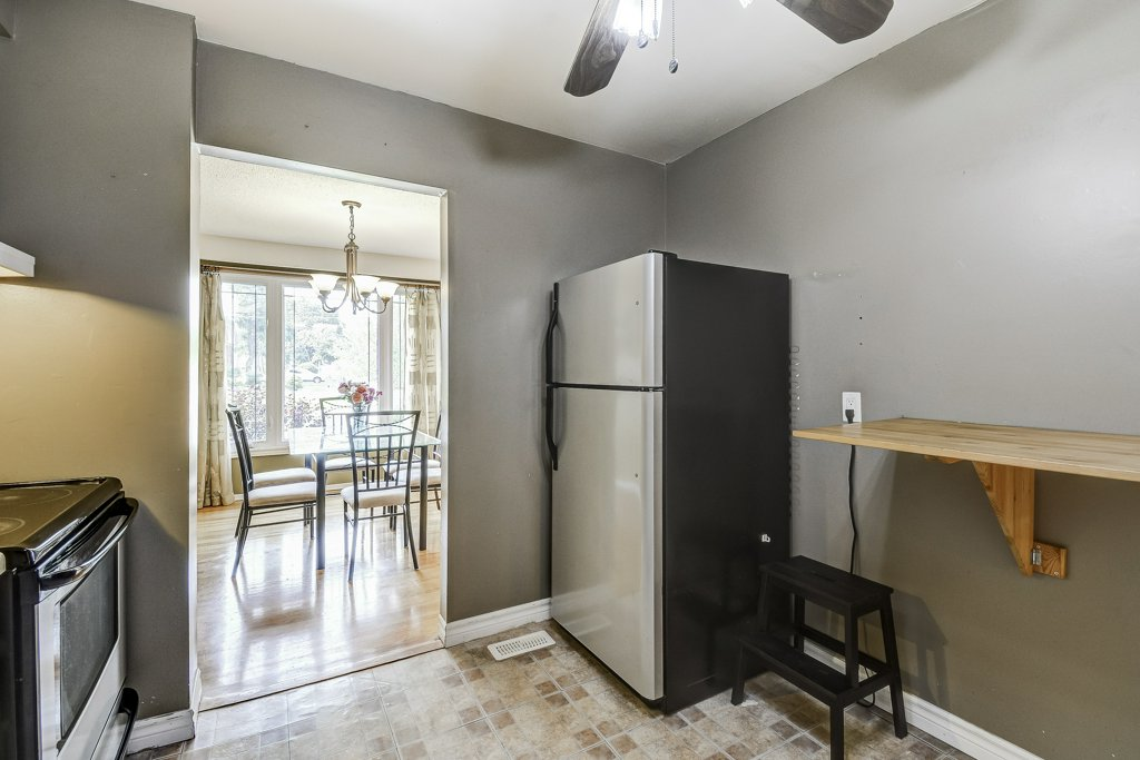 019 164 Bonaventure Hamilton kitchen4 - Recently SOLD ~ West Hamilton Mountain