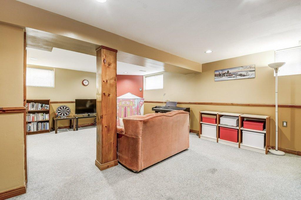 028 164 Bonaventure Hamilton familyroom4 - Recently SOLD ~ West Hamilton Mountain