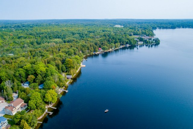 015 26 fire rte 103 bobcaygeon ON aerial8 - WATERFRONT ~ 4 SEASON COTTAGE FOR SALE ON PIGEON LAKE