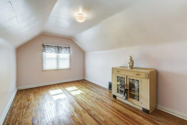 026 220 Glencarry Hamilton bedroom3 - Recently SOLD ~ East Hamilton