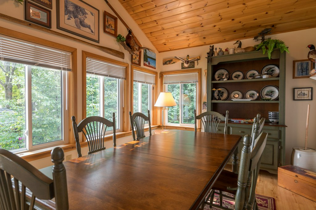 048 26 fire rte 103 bobcaygeon ON dining room - WATERFRONT ~ 4 SEASON COTTAGE FOR SALE ON PIGEON LAKE