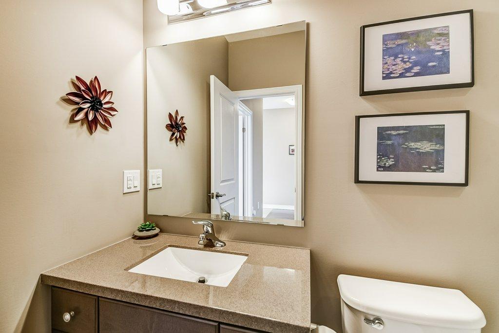 008 144 Echovalley Stoney Creek bathroom - Recently SOLD - Stoney Creek Mountain