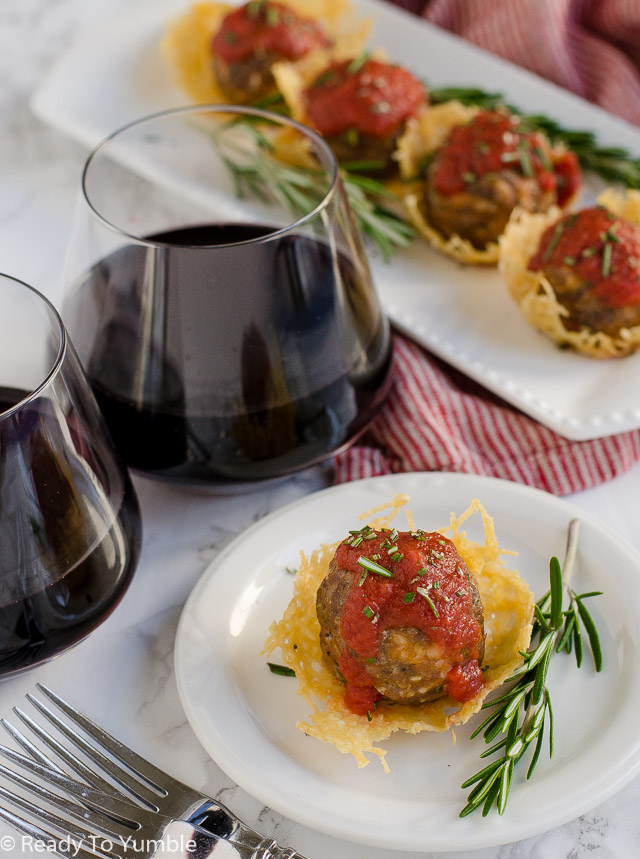 Meatball Parmesan Cups are a delicious and easy appetizer. Add a glass of Robert Mondavi Private Selection Cabernet and you'll be the star of your Oscar Party. #RMPSNewLook #shop #ad