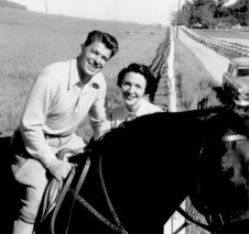 Reagans-fence-early_50_s_-_trim_op_800x755a