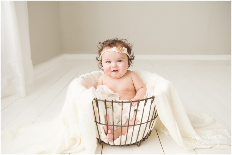 Sitter Session Basket | Chandler Baby Photographer | Reaj Roberts Photography