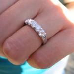 婚約指輪のお返しは必要? 時期やタイミングなどのマナー