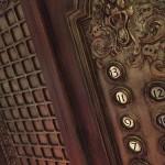 エレベーターを使った異世界の行き方 途中で乗ってくると言われる者の正体は!?