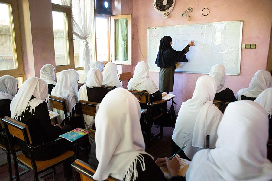 afghanistan-education combat flip flops