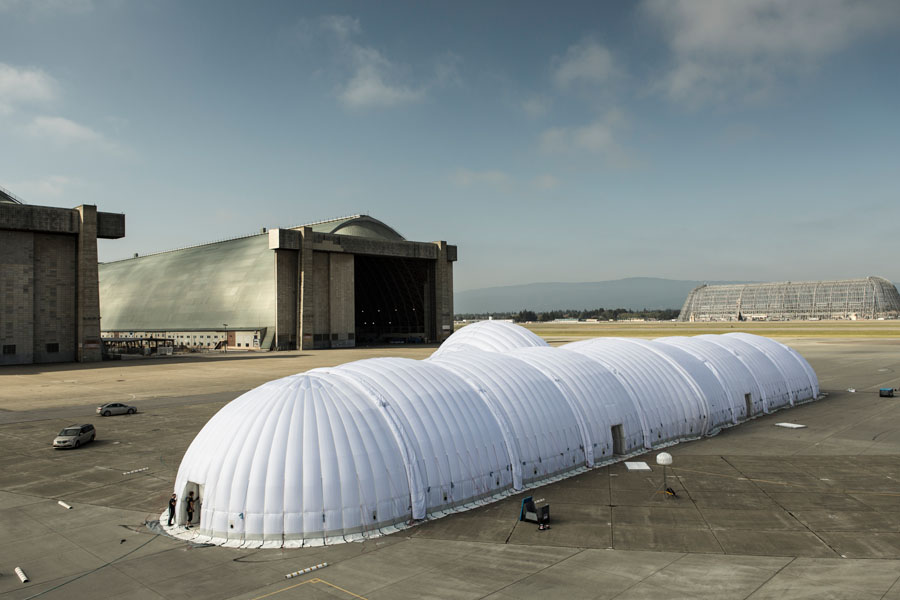 The mobile hangar that can be moved and used around the world.