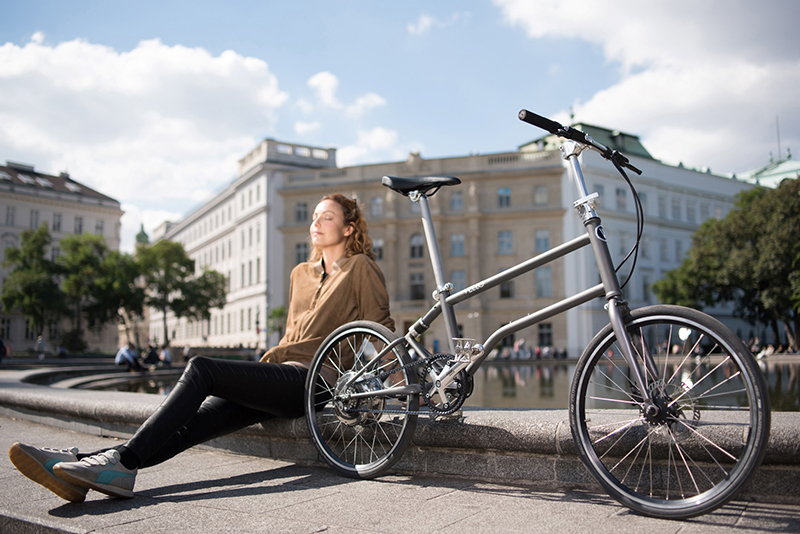 The World S First Self Charging Electric Folding Bike Is Here Vello