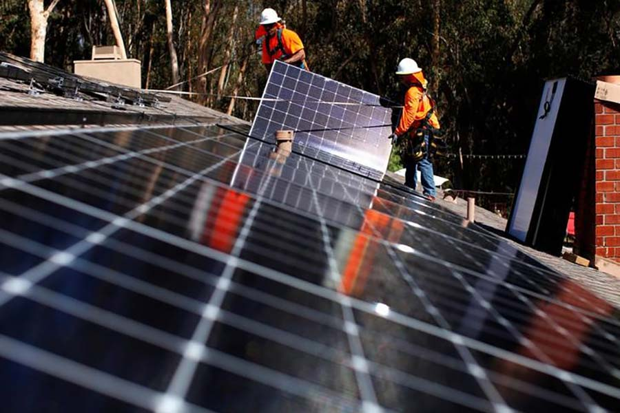 Solar Energy Now Cheaper Than Oil, But Dirty Habits Die Hard