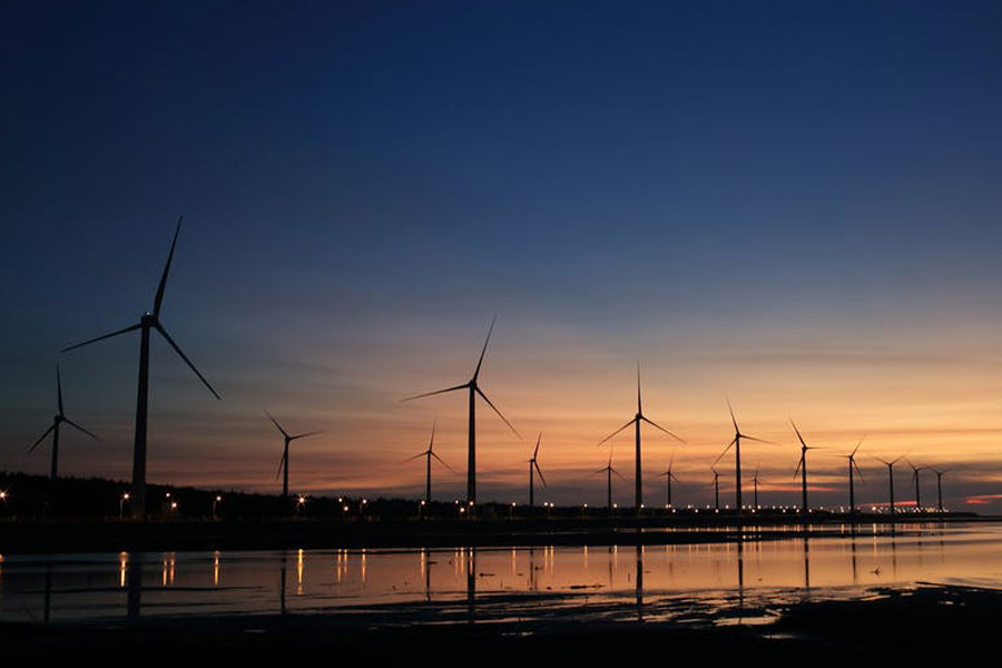 Renewable Energy: Managing Investors' Risks and Responsibilities