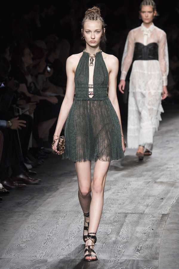 valentino-spring-2016-ready-to-wear-47
