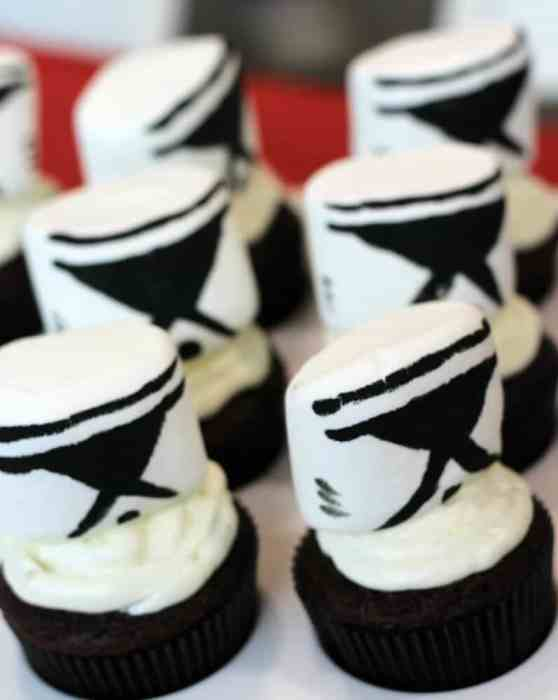 Storm Trooper Cupcakes lined up and ready to party