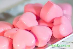 low-carb-ketogenic-raspberry-cream-fat-bombs