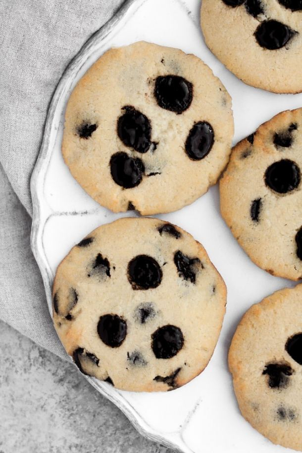 low-carb-chocolate-chip-cookies-nut-free