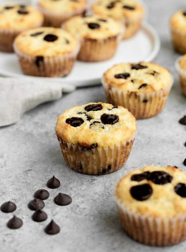 Low-Carb-Chocolate-Chip-Banana-Bread-Muffins