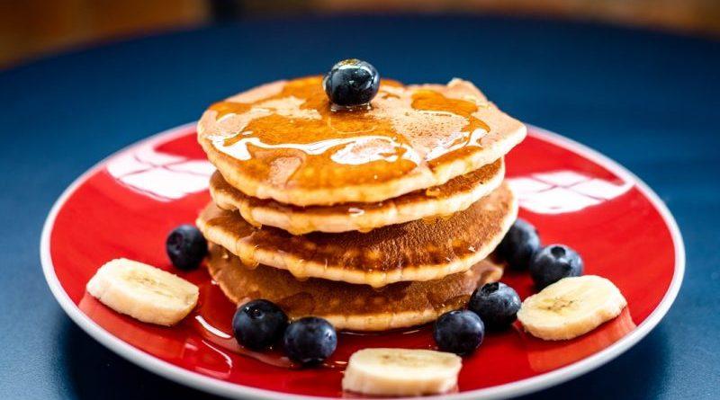 Rețeta rapidă a clătitelor americane sau pancakes. Se gătesc ușor și rapid. Este un mic dejun ideal