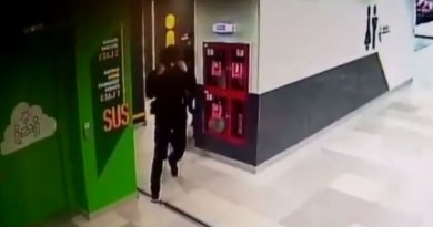 (VIDEO) Un bărbat care a încercat să violeze o femeie în mall a fost arestat. Caz șocant surprins de camerele de supraveghere din mall