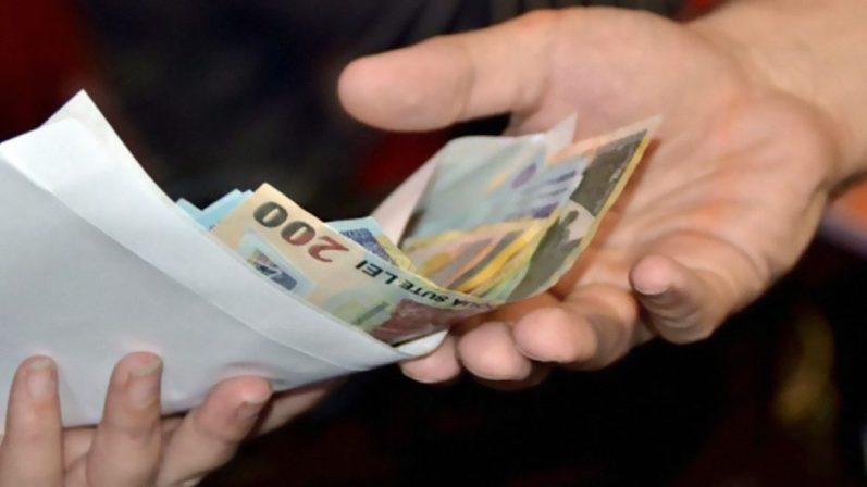 Salariul minim pe economie, oficial a fost mărit! Cu cât a crescut de fapt?